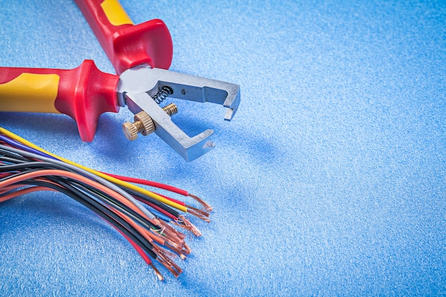 Attrezzature e strumenti elettrittici