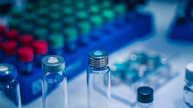 Attrezzature per esperimenti in laboratorio