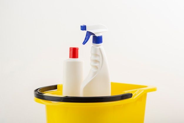 Attrezzature per la pulizia nel secchio