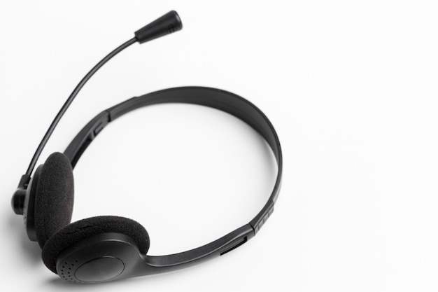 Auricolare audio sul tavolo