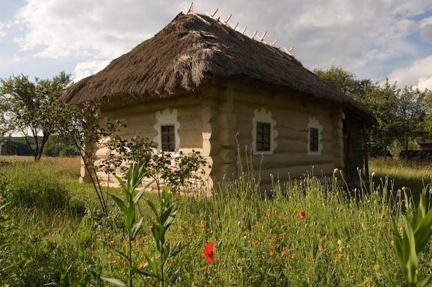 Autentica casa del villaggio ucraino.