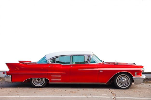 Automobili vecchio stile che prima erano popolari.