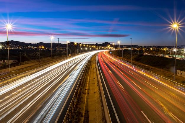 Autostrada al crepuscolo