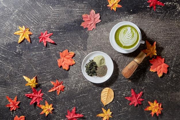 Autunno, tazza da tè verde matcha in legno