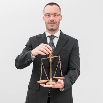 Avvocato con bilance