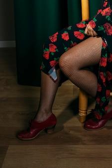 Ballerina di flamenca con calze a rete