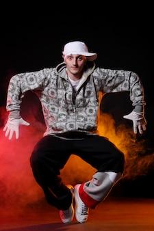 Ballerino hip-hop in ballo