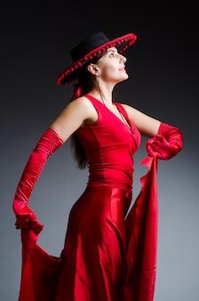 Balli di danza donna in abito rosso
