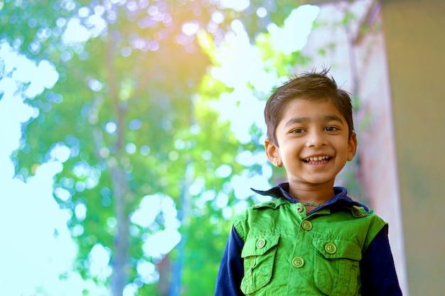 Bambino indiano