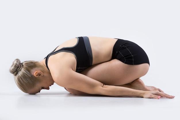 Bambino yoga posa