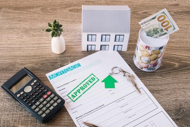 Banco da tavolo con richiesta di credito approvato