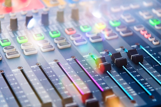 Banco di mixaggio per console dj