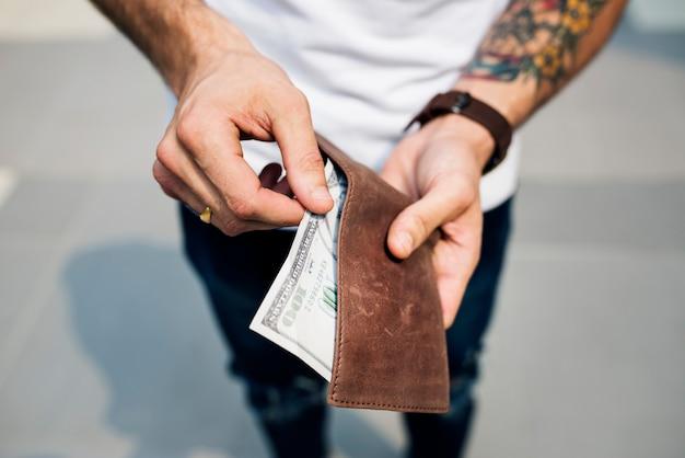 Banconota da un dollaro in un portafoglio