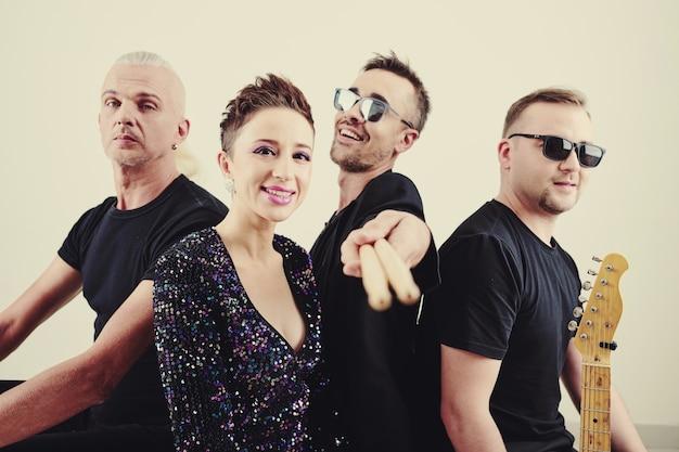 Banda musicale popolare creativa