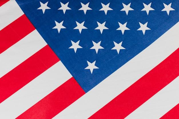 Bandiera degli stati uniti inclinata