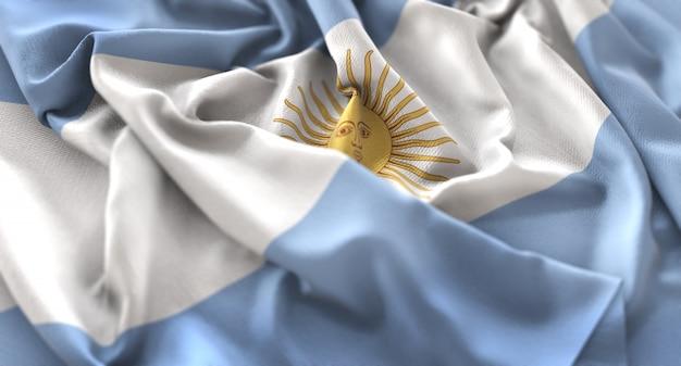 Bandiera dell'argentina increspata splendamente sventolando macro close-up shot