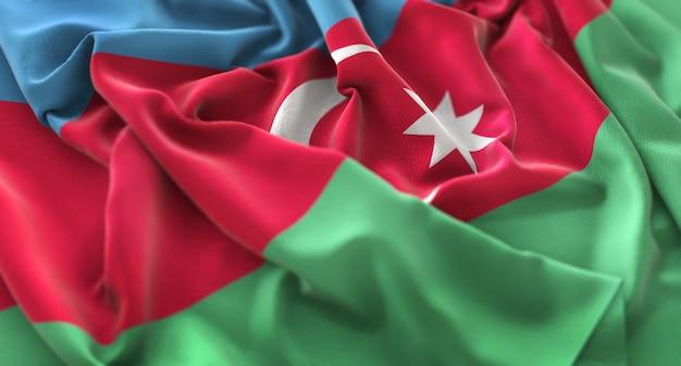 Bandiera dell'azerbaigian ruffled splendamente sventolando macro close-up shot