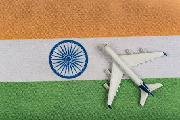 Bandiera dell'india e aereo