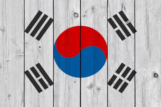 Bandiera della corea del sud dipinta su vecchia plancia di legno