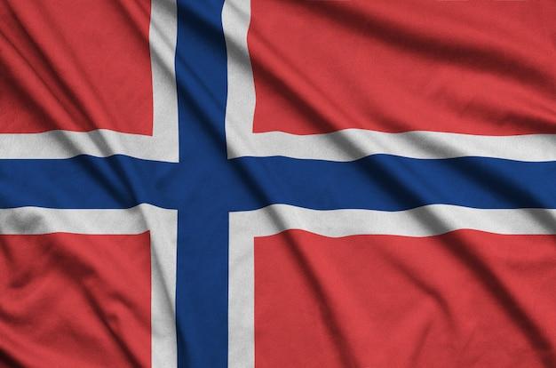 Bandiera della norvegia con molte pieghe.