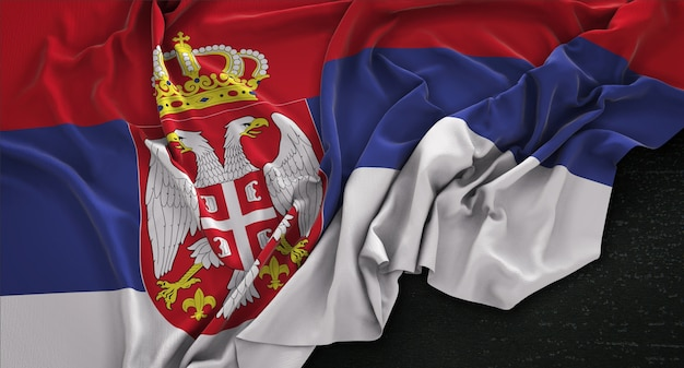 Bandiera della serbia rugosa su sfondo scuro 3d rendering
