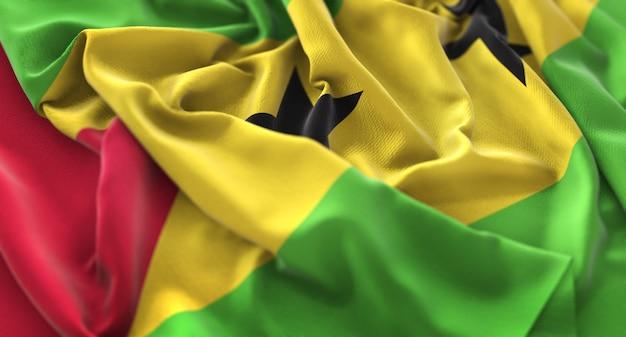 Bandiera di são tomé e príncipe increspato splendida salita macro close-up shot