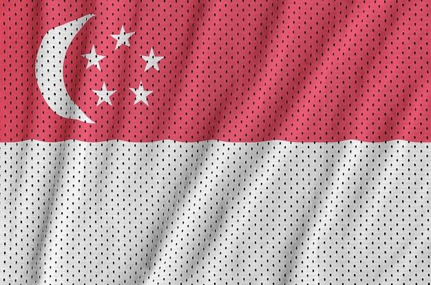 Bandiera di singapore stampata su una rete di nylon poliestere