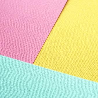 Banner di dimensioni quadrate per la pubblicazione in un social network. carta strutturata multicolore.