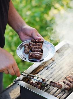 Barbecue barbecue all'aperto