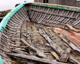 Barca abbandonata desolata