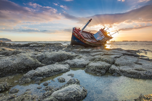 Barca abbandonata