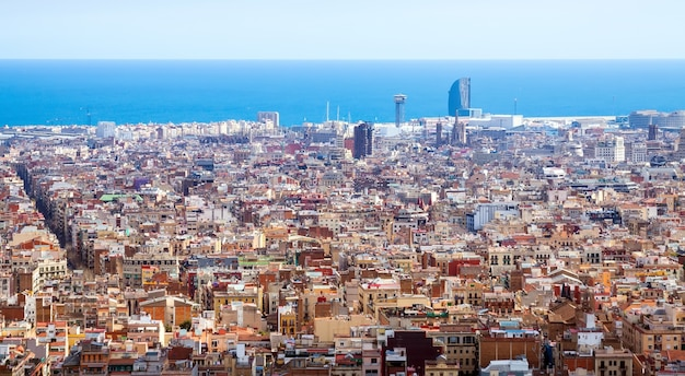 Barcellona in giornata di sole, in spagna
