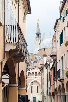Basilica pontificia di sant'antonio nella città di padova