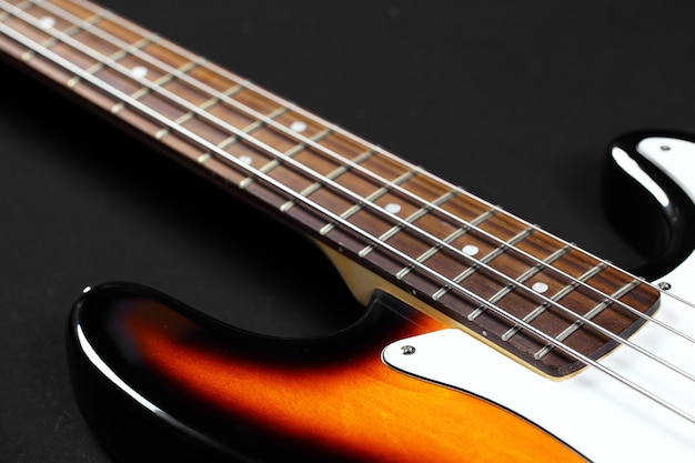Basso per chitarra elettrica