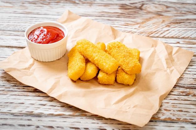 Bastoncini di pesce fritti croccanti