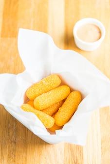 Bastoncino di formaggio fritto