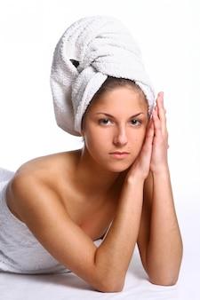 Beautyful ragazza con asciugamano