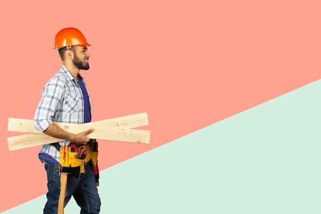 Bel lavoratore felice