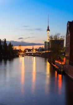 Belin, fiume sprea la sera