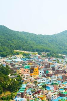 Bella architettura al villaggio culturale di gamcheon a busan