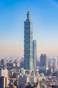 Bella architettura che costruisce la città di taipeh