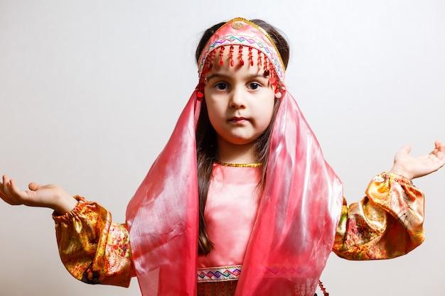 Bella ballerina piccola bellezza orientale