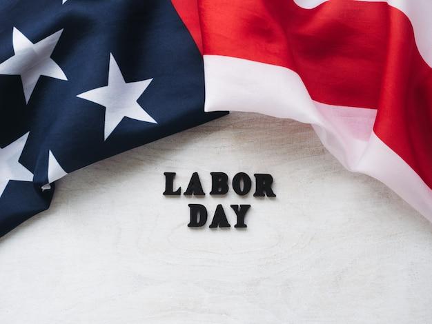 Bella carta con congratulazioni per il labor day