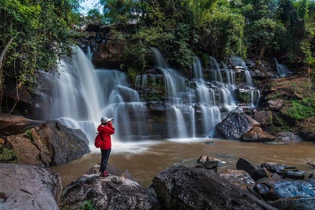 Bella cascata in thailand.