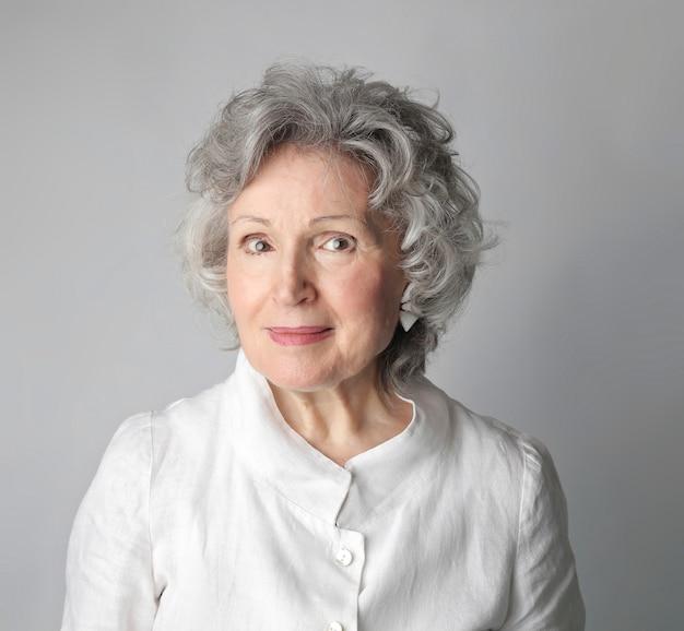 Bella donna invecchiata
