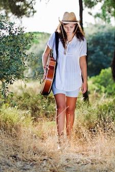 Bella ragazza di campagna