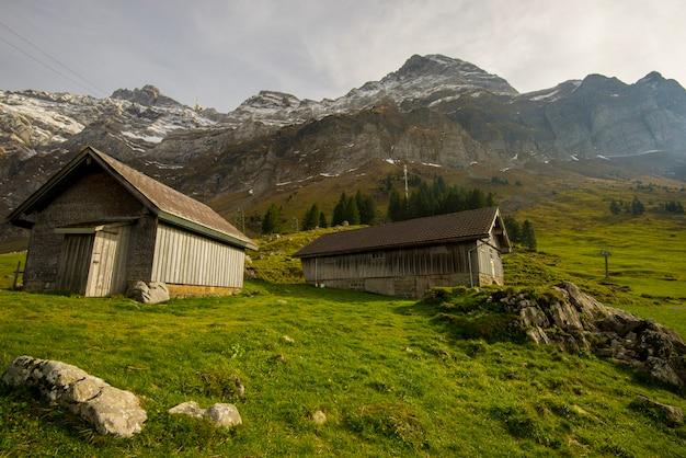 Bella vista della valle di montagna saentis, in svizzera