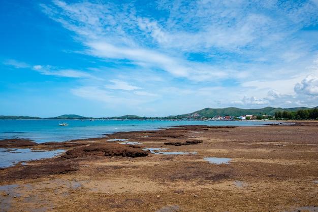Bella vista sul mare a sattahip, chonburi.