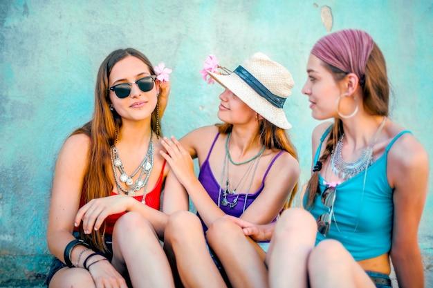 Belle ragazze in estate
