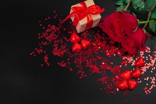 Belle rose e confezione regalo